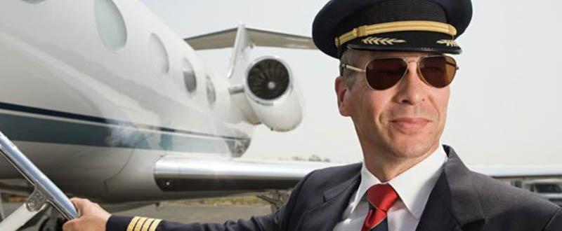 cuanto gana un piloto de avion en chile